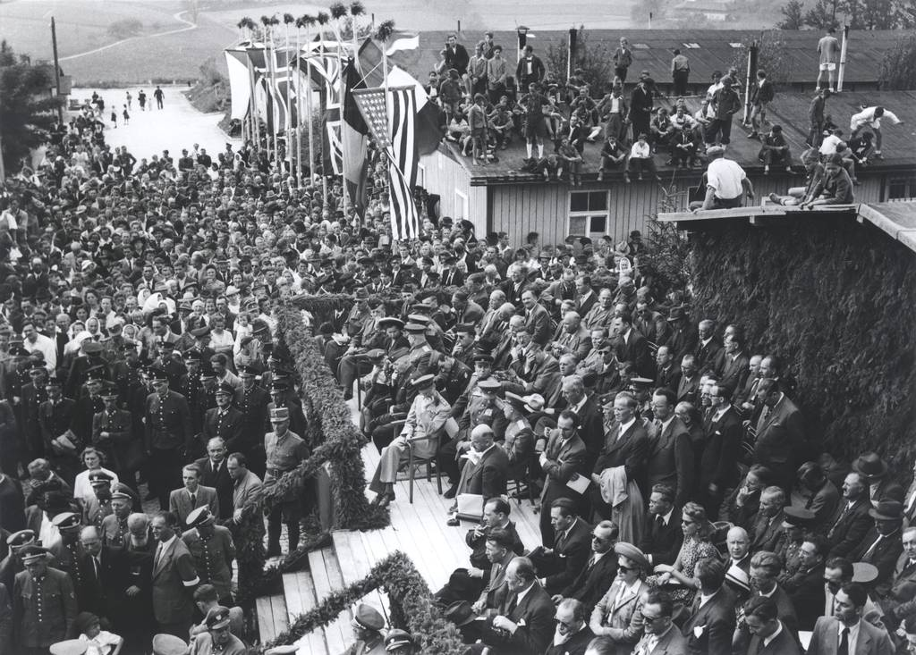 Ceremony celebrating the handing over the former Mauthausen concentration camp to the Republic of Austria, 20 June 1947 (Mauthausen Memorial / Collections, Collection BHÖ)