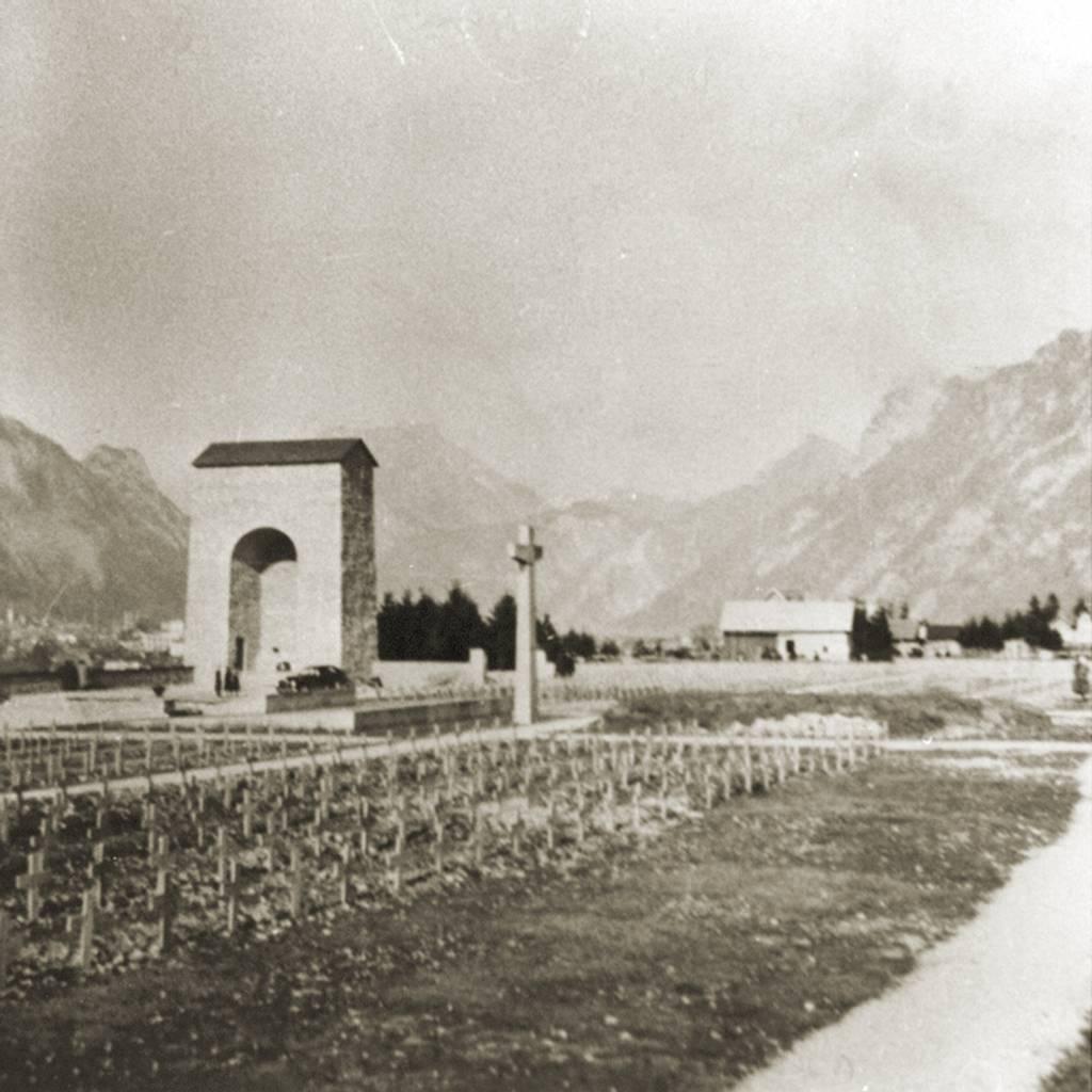 Der KZ-Friedhof in Ebensee, 1952 (Fotograf*in unbekannt, KZ-Gedenkstätte Mauthausen)